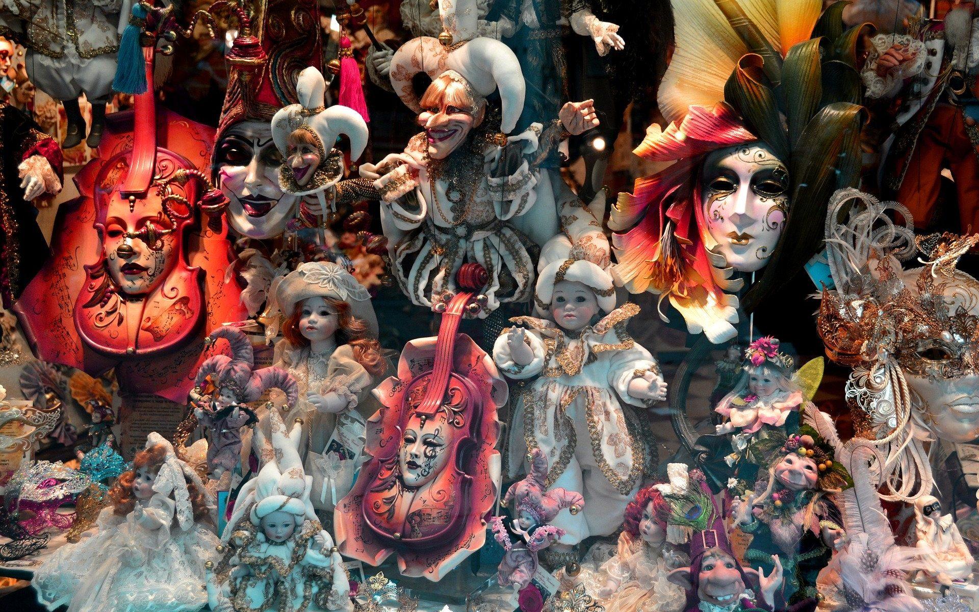 masks-1242822_1920